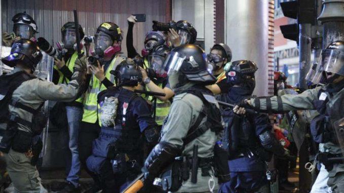 Više od 200 ljudi uhapšeno na protestu u Hongkongu 3