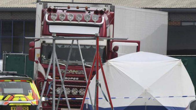 Džonson: Smrt 39 ljudi nađenih u kamionu kod Londona nezamisliva i potresna tragedija 4