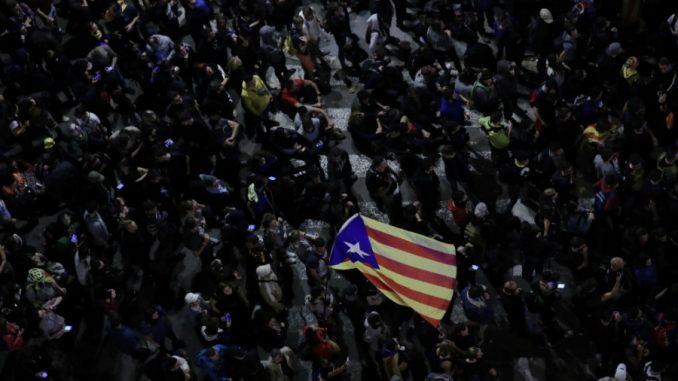 Španski premijer Sančes pod pritiskom desnice zbog nemira u Kataloniji 2