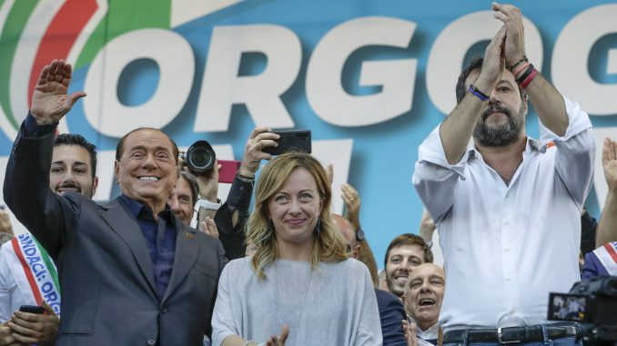 Salvini održao skup protiv vlasti u Rimu, među govornicima i Berluskoni 3