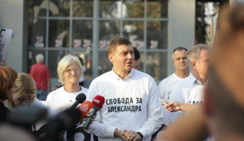 Marković: Crni džipovi zatvorili put radnicima 7