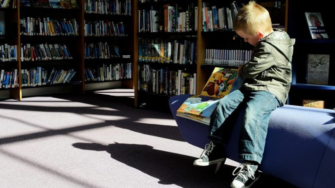 Poražavajući podaci SB i UN: Deca od 10 godina ne znaju da čitaju 1