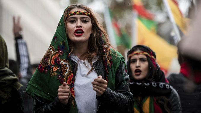 Hiljade ljudi na protestu u Kelnu zbog turske ofanzive na severu Sirije 2