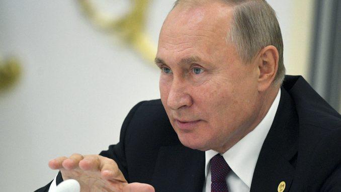 Putin potpisao zakon o stranim agentima: Meta novinari i blogeri 1