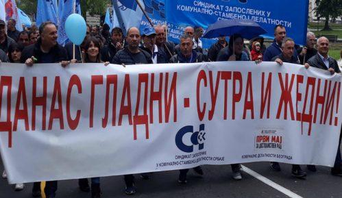 Protest komunalaca 7. novembra ispred Vlade 9