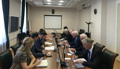 Mali sa delegacijom MMF-a: Reforma Poreske uprave ide u dobrom smeru 9