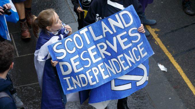 Škotska premijerka: Dobila sam mandat za referendum 1