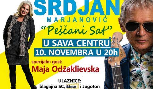 Srđan Marjanović sa Majom Odžaklijevskom u Sava centru (VIDEO) 8