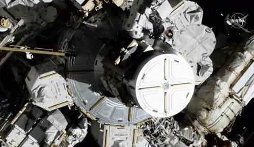 Prvi put dve žene zajedno izašle u svemirsku šetnju 10