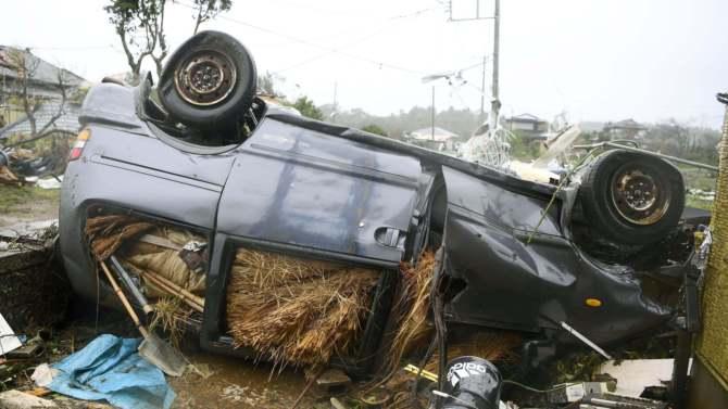 U naletu tajfuna u Japanu stradale dve osobe 4