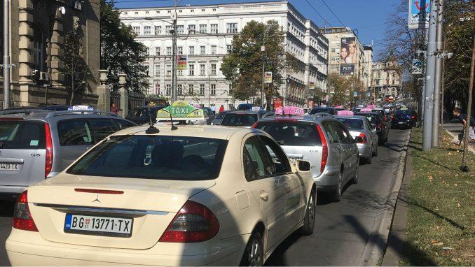 Novosti: Taksistima na dar po 8.000 evra 4