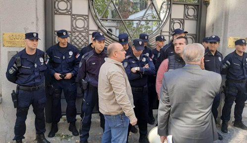 Sukob ispred sinagoge: Frakcije Jevrejske zajednice predvođene Medićem se razišle 11