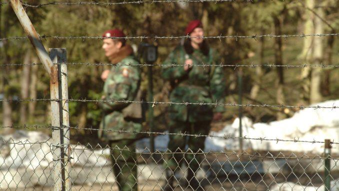 Ispred Ministarstva odbrane Srbije obeleženo 15 godina od stradanja gardista 4