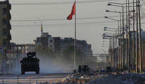 Ankara pozvala SAD da utiču na povlačenje Kurda iz Sirije 6