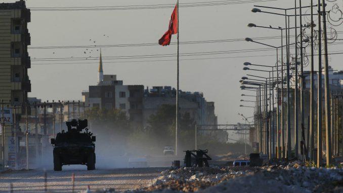 Ankara pozvala SAD da utiču na povlačenje Kurda iz Sirije 1