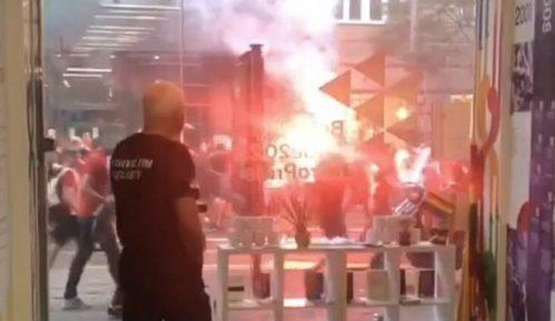Miletić: Navijači Crvene zvezde napali prostorije Prajd info centra 5