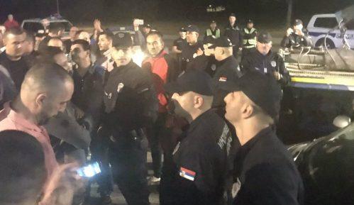 Privedeno nekoliko ljudi, odneto više vozila CarGo(VIDEO) 3