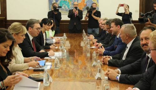 Vučić sa predsednikom Predstavničkog doma Parlamenta Češke o bilateralnim odnosima 4