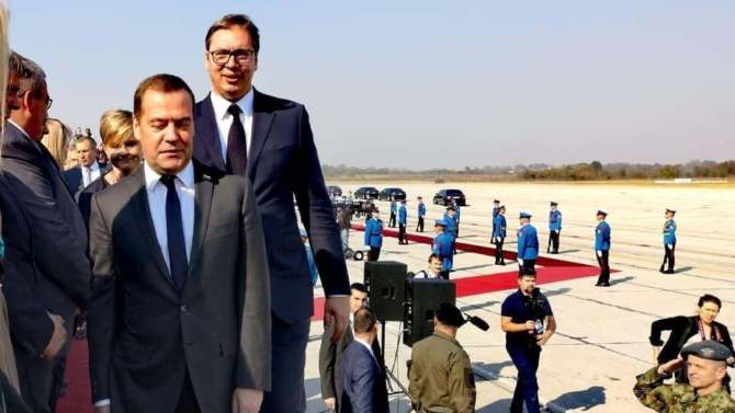 Vučić na svečanoj akademiji: Srbija neće dati svoju slobodu 12