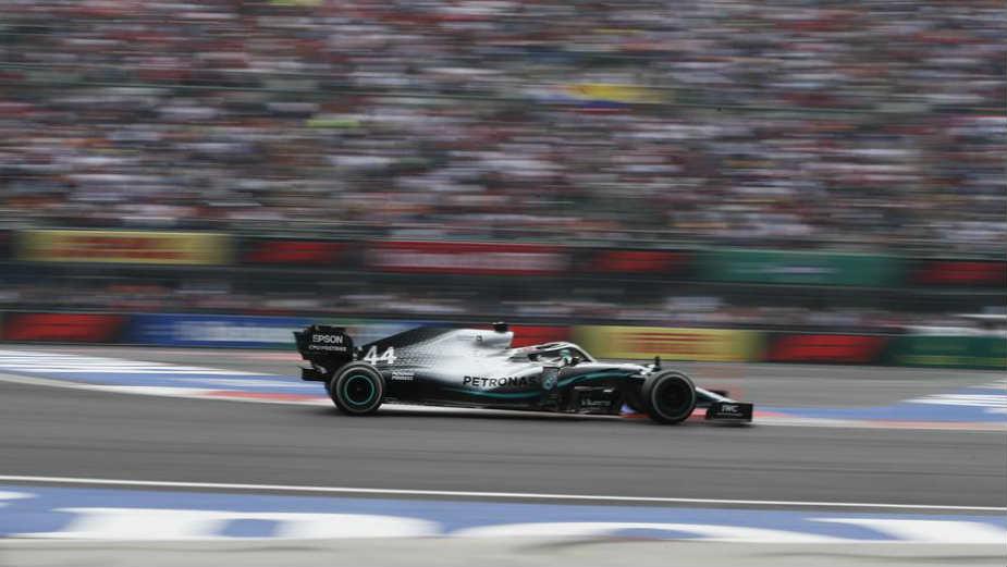 Hamilton u Sočiju ostvario 100. pobedu u karijeri i preuzeo vođstvo u šampionatu F1 1