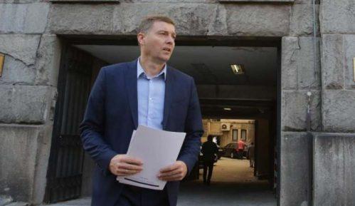 Zelenović traži od Vučića da Radojičiću naloži da učestvuje u TV duelu o Trgu Republike 13