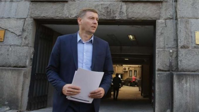 Zelenović traži od Vučića da Radojičiću naloži da učestvuje u TV duelu o Trgu Republike 4