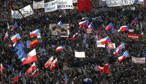 "Uoči 30. godišnjice ""Plišane revolucije"" stotine hiljada Čeha ponovo na protestima 7"