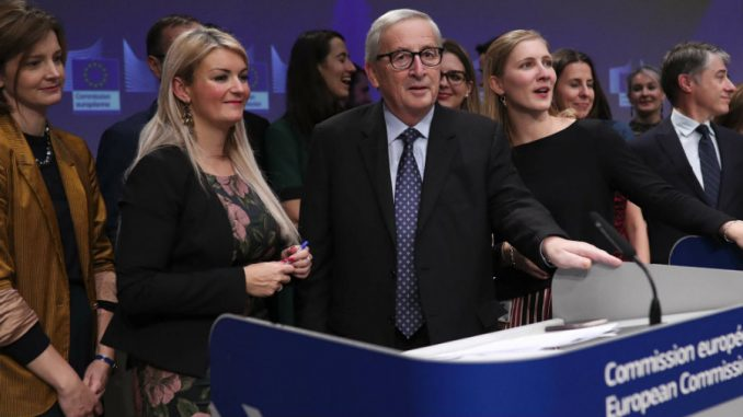 Junker šaljivo na poslednjoj konferenciji za novinare kao šef Evropske komisije 3