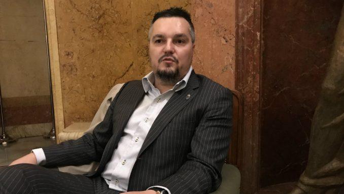 """Koalicija """"Za kraljevinu Srbiju"""": Bahate pevačice da plate porez, a ne da traže pomoć od države 1"""