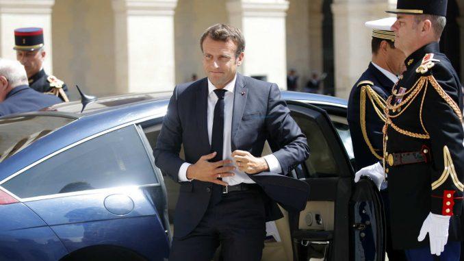 U Francuskoj i dalje raste popularnost Makrona 3