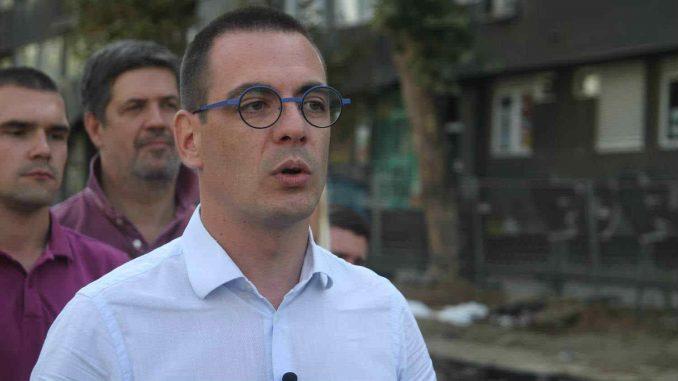 Bastać: Vučić da se izvini zbog neosnovane tvdnje su napadnuti radnici koji su raskopavali ulicu 5