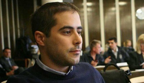 DS traži da se protiv Miše Vacića pokrene sudski postupak zbog upada na izložbu 2