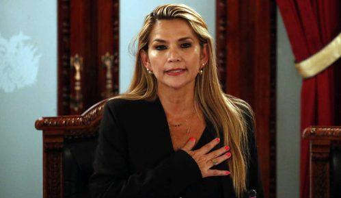 Henin Anjes Čaves: Ponosna hrišćanka