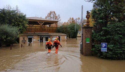 Najmanje sedam mrtvih u poplavama u Francuskoj, Italiji i Grčkoj 8