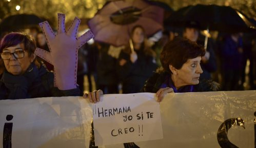 Protesti širom Španije zbog presude za grupno silovanje nesvesne devojčice 5