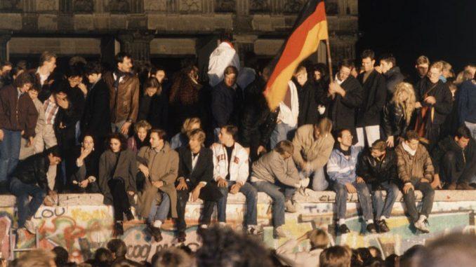 Pad Berlinskog zida: Kako je 1989. godina preoblikovala savremeni svet 4