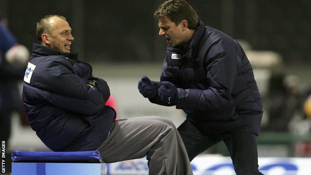 Hertha boss Falko Gotz and his assistant Andreas Thom in 2006