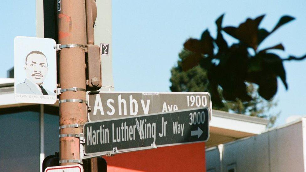 Martin Luter King znak ulica
