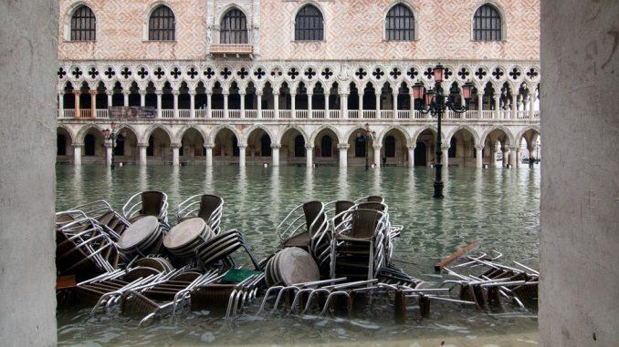 Poplave u Veneciji: Italija bi trebalo da proglasi vanredno stanje zbog štete 3