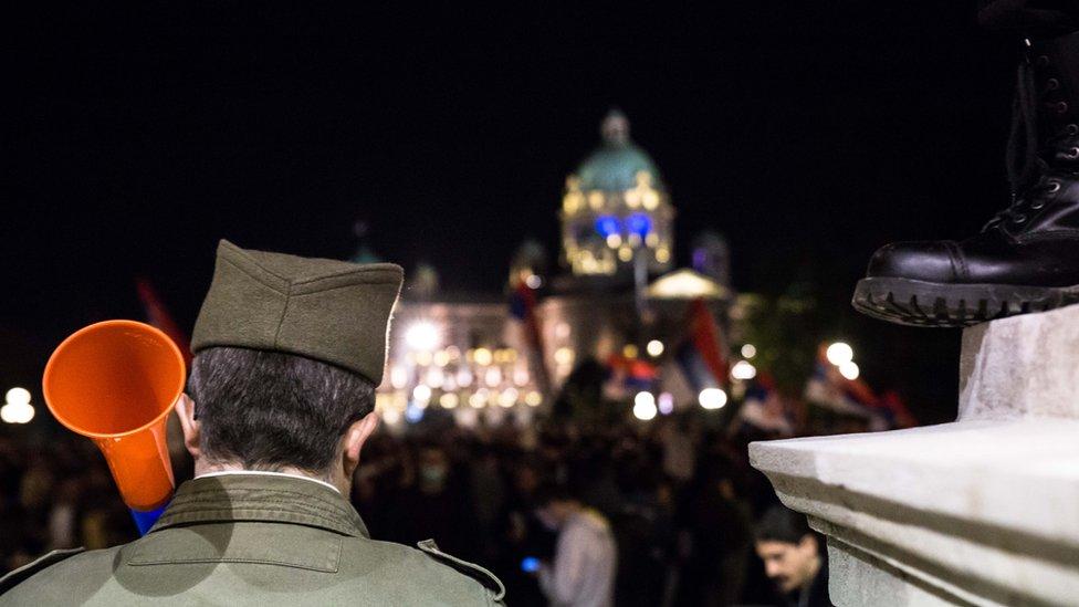 Građanin ispred Skupštine, 2019.
