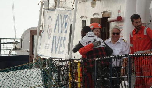 U Italiji se iskrcalo 239 migranata spasenih na Sredozemnom moru 8