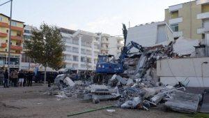 U zemljotresu u Albaniji najmanje 22 mrtvih, tim iz Srbije poslat u pomoć 21