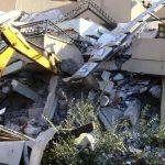 U zemljotresu u Albaniji najmanje 22 mrtvih, tim iz Srbije poslat u pomoć 17