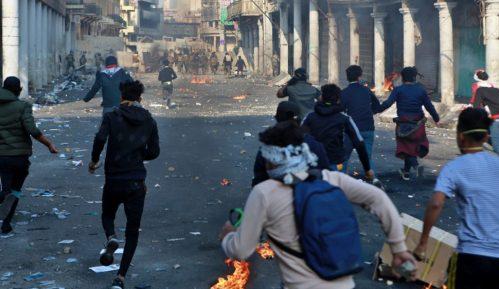 Irak: Tri demonstranta ubijena, 35 ranjeno u nasilju na protestima 6