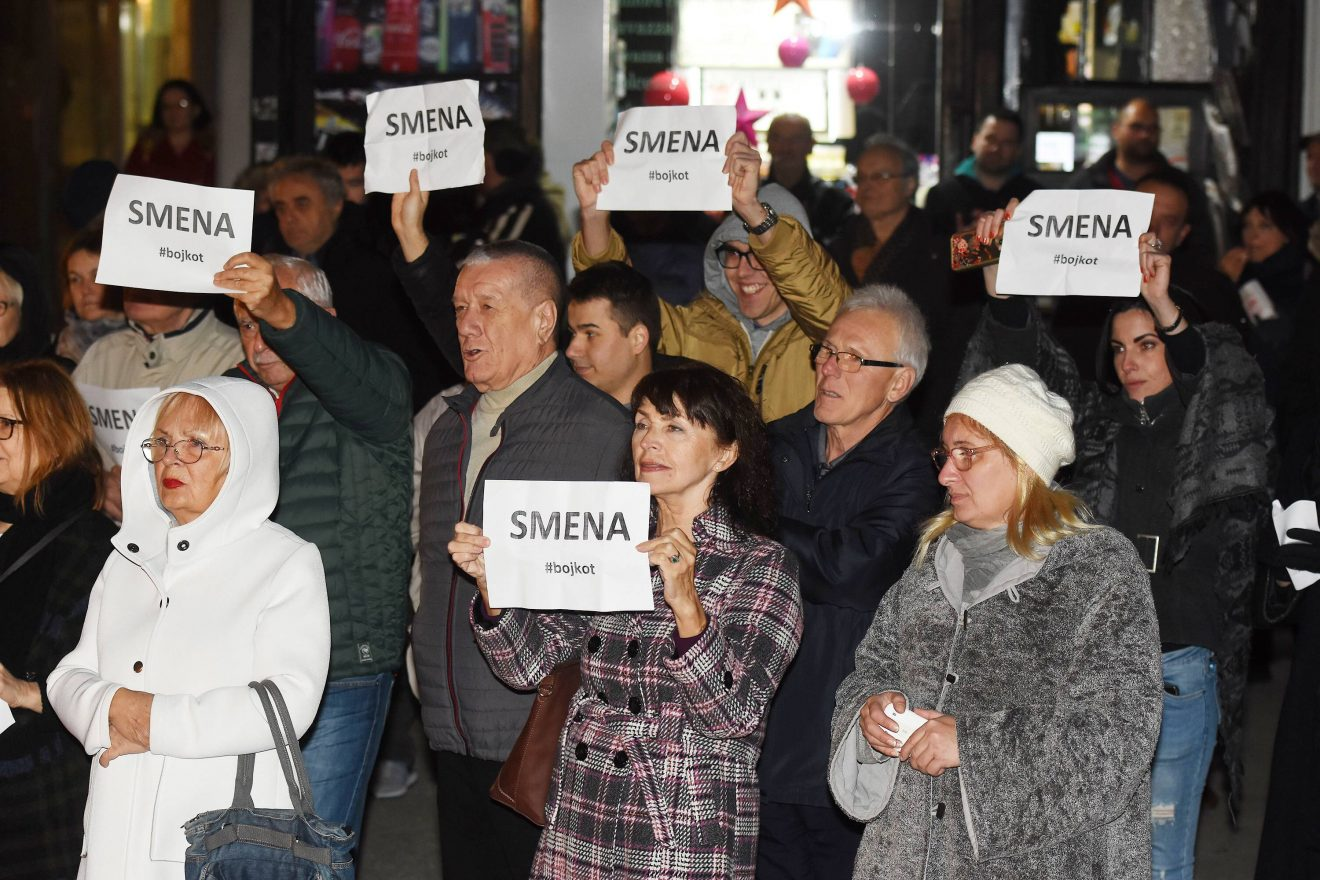 Protest SZS u Novom Sadu: Siniša Mali i cela vlada Srbije moraju da odu (FOTO) 4