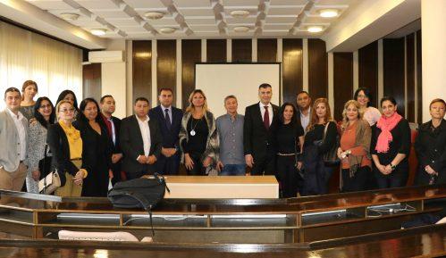 Đorđević s predstavnicima Roma: Svi građani Srbije su jednaki i moraju imati ista prava 2