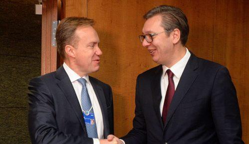 Vučić se sastao sa predsednikom UO Svetskog ekonomskog foruma 4
