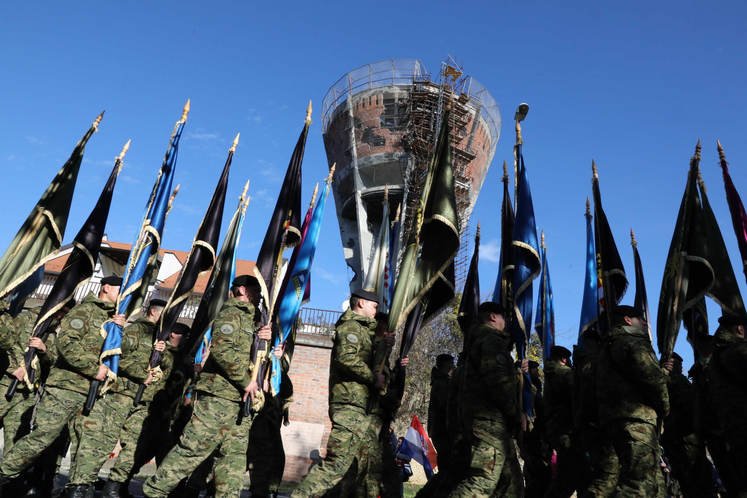 Građani i džavni vrh Hrvatske odali počast vukovarskim žrtvama 1