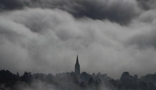 Zbog jakog snega u Francuskoj jedan mrtav, prekidi struje 5
