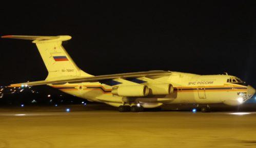 Ruski avion za gašenje požara sleteo večeras u Niš 2
